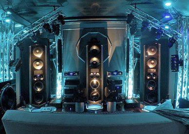 Legacy_V_Surround_Speaker_system.jpg