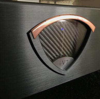 iV7-Closeup-Cropped.jpg